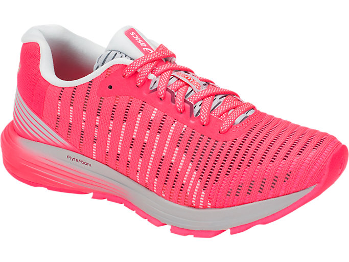 Front Right view of DYNAFLYTE 3, DIVA PINK/WHITE