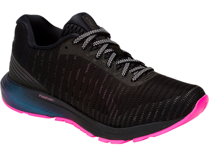 Front Right view of DYNAFLYTE 3 LITE-SHOW, BLACK/HOT PINK