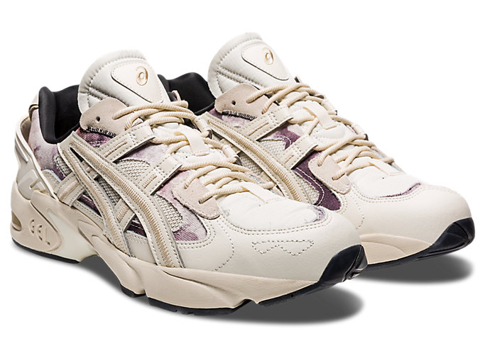 Front Right view of GEL-KAYANO 5 RE, BIRCH/BIRCH