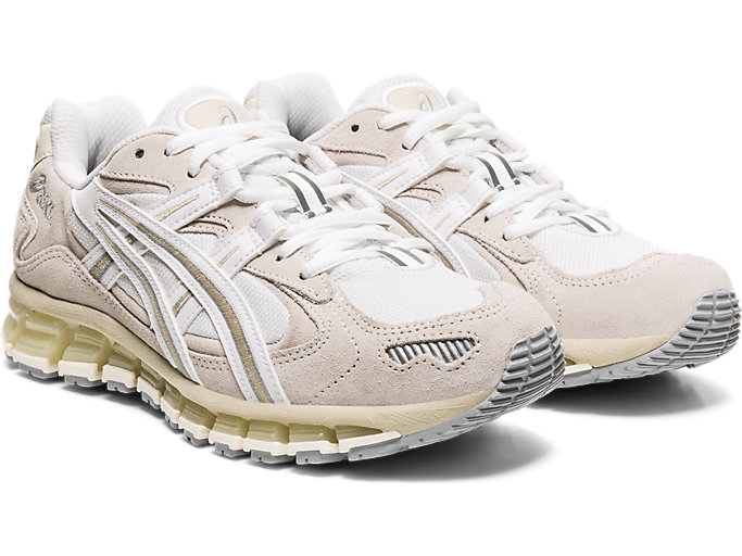 Front Right view of GEL-KAYANO 5 360, WHITE/CREAM