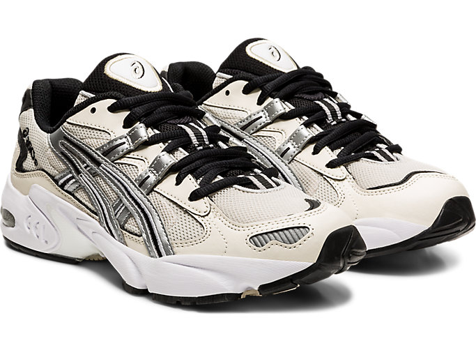 Front Right view of GEL-KAYANO 5 OG, BIRCH/SILVER