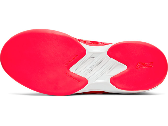 Bottom view of SOLUTION SPEED™ FF INDOOR, LASER PINK/WHITE
