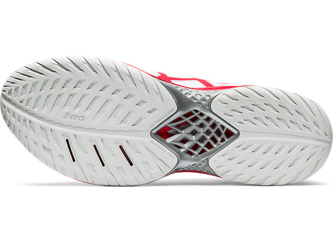 Bottom view of V-SWIFT FF 2, WHITE/CLASSIC RED