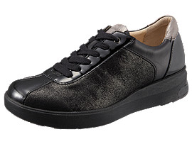 Right side view of ペダラ WC023A 2E, BLACK
