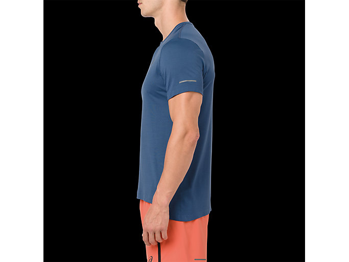 Side view of SEAMLESS SS, GRAND SHARK