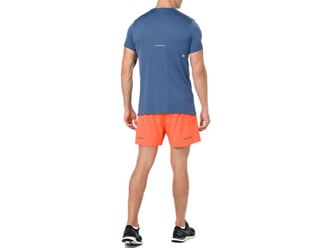 Back view of SEAMLESS SS, GRAND SHARK