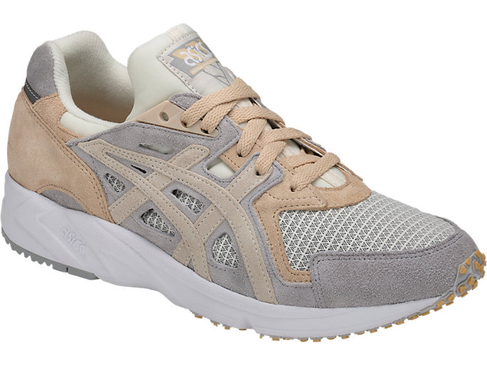 Front Right view of GEL-DS TRAINER OG, CREAM/CREAM