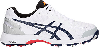 asics 100 not out spikes
