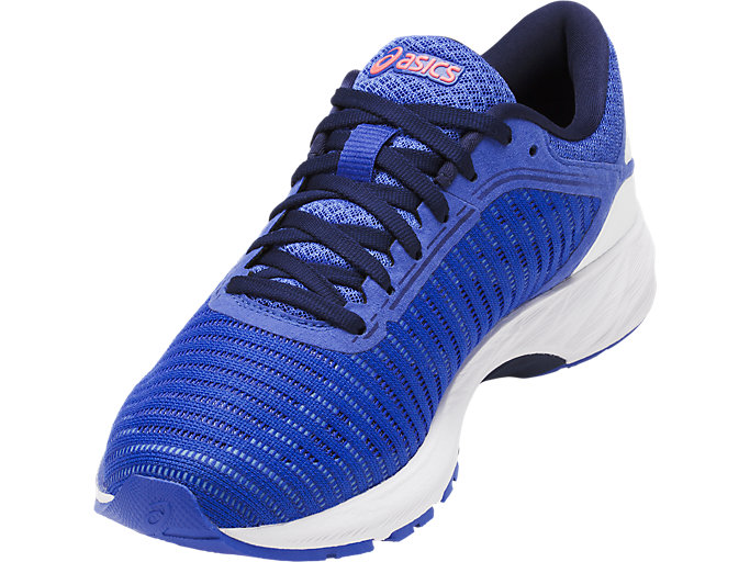 Front Right view of DynaFlyte 2, Blue Purple/White/Indigo Blue