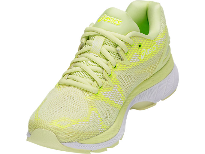 Front Left view of GEL-NIMBUS 20, LIMELIGHT/LIMELIGHT/SAFETY YELLOW